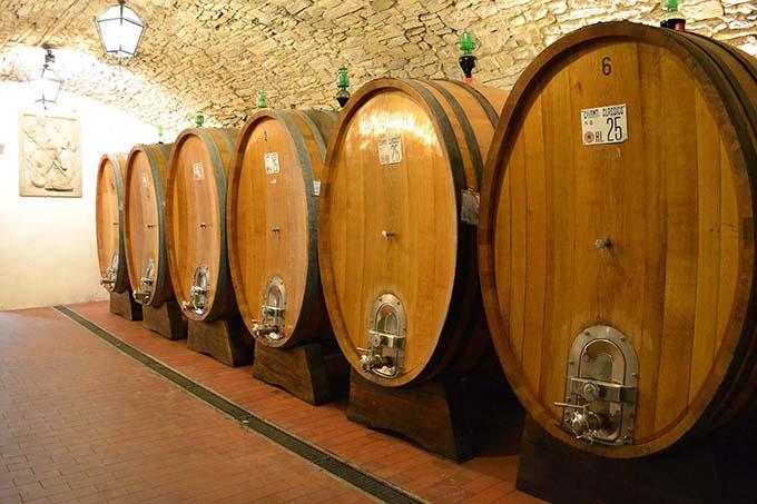 Castello-Vicchiomaggio_-Botti-1